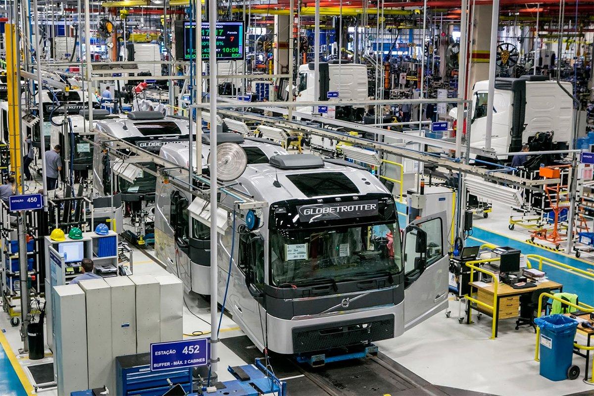Volvo anuncia retorno à produção