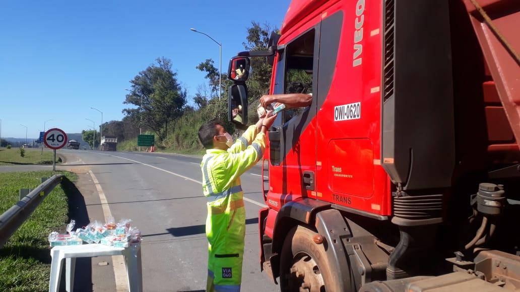 Solidariedade na BR-040 alcança 12 mil caminhoneiros