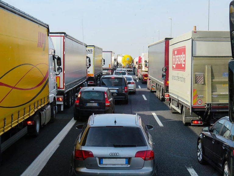 Maio Amarelo: números de acidentes de trânsito parecidos com o de uma pandemia.