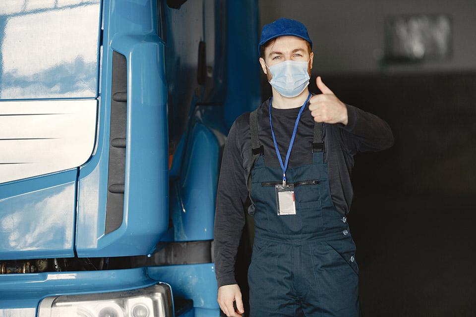 Começa nesta terça-feira a vacinação de caminhoneiros com 30 anos ou mais