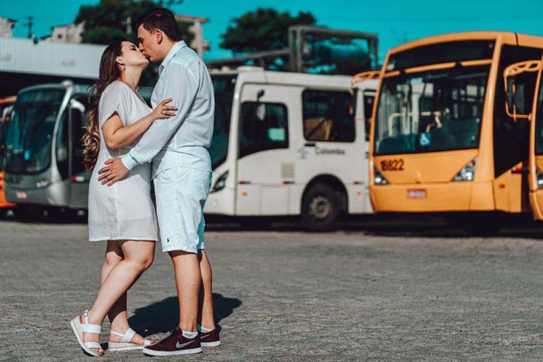 ônibus do amor - A troca de olhares no transporte coletivo resultou em casamento